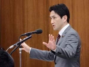 原子力問題特別委員会で質問。屋内退避という政府の避難方針は非現実的。熊本地震で明らかに!