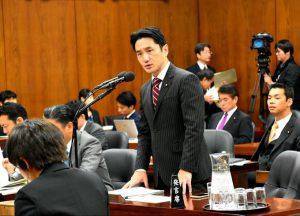 衆院法務委員会で司法修習生の中の「谷間世代」問題を質問