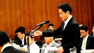 衆院法務委で牛久・入管センターでの自殺未遂問題を質問しました。