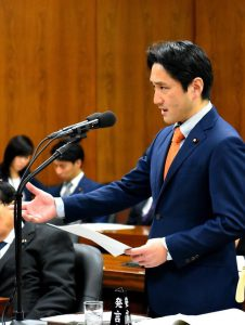 東京入管の救急搬送拒否問題と入管法政省令について質問