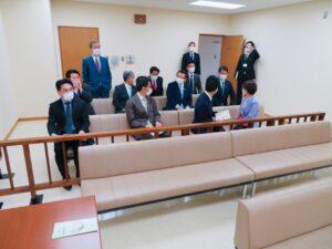 衆院法務委 東京家裁を視察